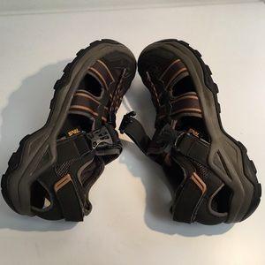 Omnium 2 TEVA  Fisherman Sandal size 10